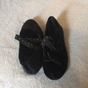 Size 8.5 ALDO black flats